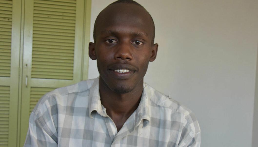 Simon Kwando har intet større ønske enn å få seg en jobb. Foto: Wenche Schjønberg