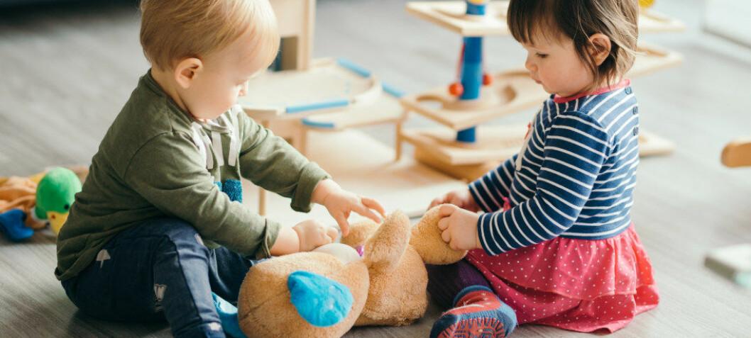 Tilvenning: Barn som er med i lekegrupper i barnehagen tre måneder før de starter, finner seg raskere til rette