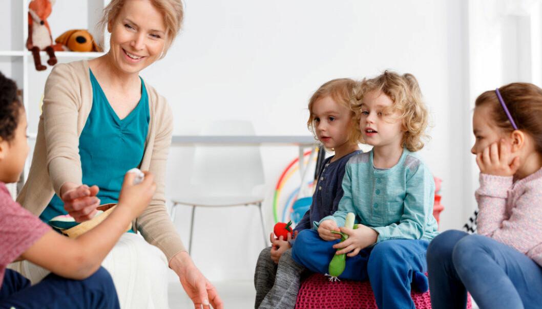 Jeg opplever til stadighet at studenter uttrykker et stort behov for at jeg som lærer kobler erfaringene mine fra barnehagen til teorigrunnlaget de blir presentert for i utdanningen, skriver artikkelforfatteren. Illustrasjonsfoto: Fotolia.com