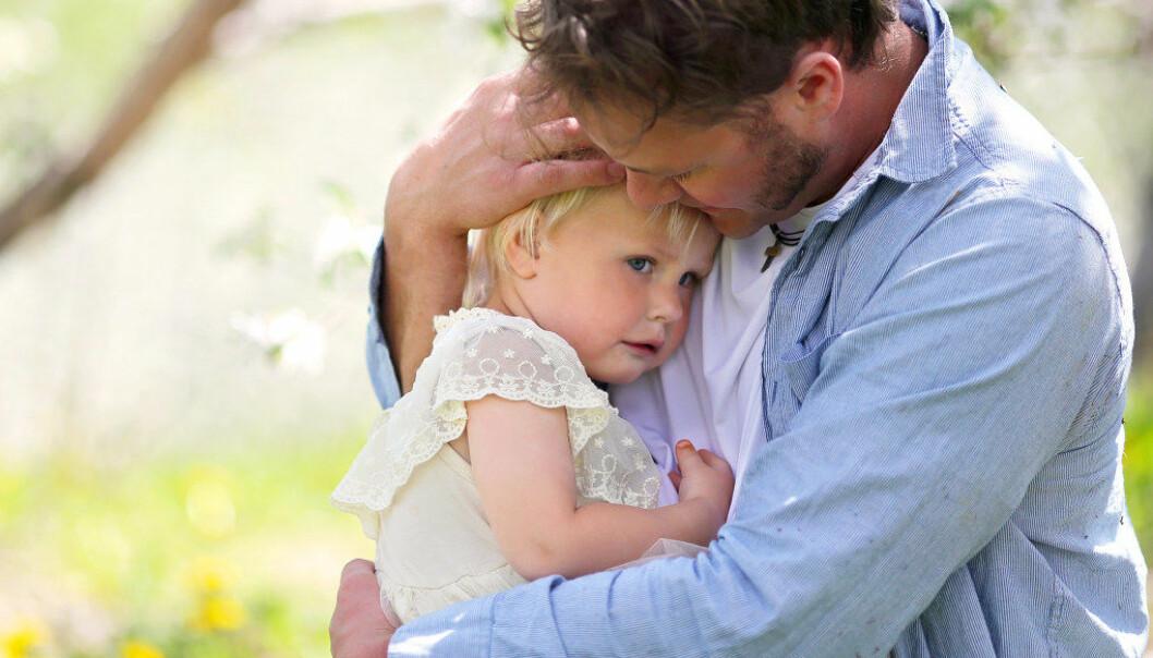 Forskning har vist at det å prøve å få barnet til å slutte å føle det det føler, ved for eksempel avledning, fører til at barnet føler seg avvist og opplever at det er feil å føle det det føler. Illustrasjonsfoto:Fotolia.com