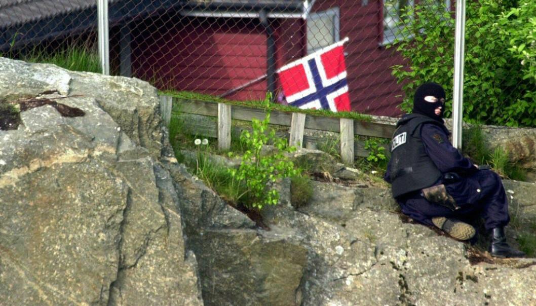 En bevæpnet mann tok barn og voksne som gissel i en norsk barnehage i 2000. Gisseltakeren ga seg til slutt og ingen ble fysisk skadet. En av tre barnehager har aldri gjennomført en beredskapsøvelse, viser ny undersøkelse. Foto: Heiko Junge / SCANPIX