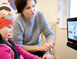 Mange av barna i denne barnehagen kommuniserer med tegn, øyne, bilder og berøring
