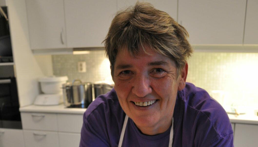 Bjørg Vik er kjøkkenassistent på fulltid i Ikornnes FUS barnehage. Foto: Gyri Aure