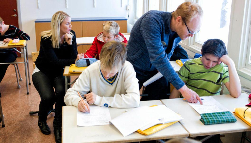 Hvem skal få gå på de mest attraktive skolene i Sverige? De som trekker de rette loddene eller blir kvotert inn, mener OECD. Arkivfoto: Erik M. Sundt