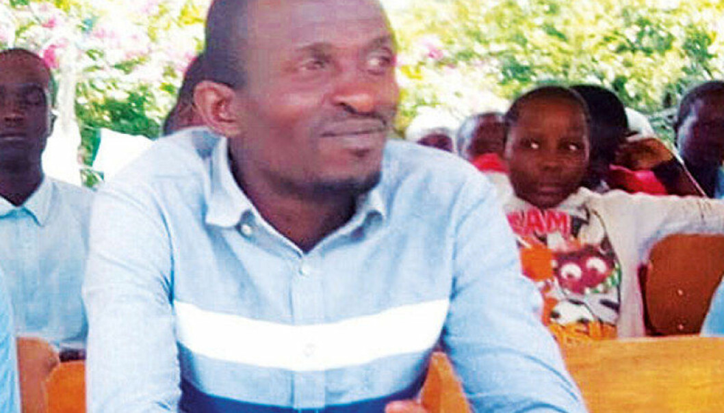 Drapet på læraren Peter Omare Mogusu vert nytta som argument for at lærarar skal få forsvare seg med våpen mot trugande elevar. Foto: Privat