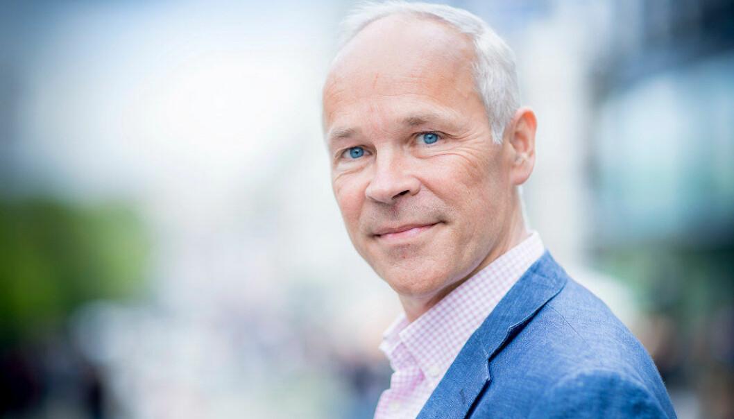 Regjeringen har laget handlingsplan mot negativ sosial kontroll, med 28 tiltak. I dag ble et av tiltakene lansert av Jan Tore Sanner. Foto: Bo Mathisen
