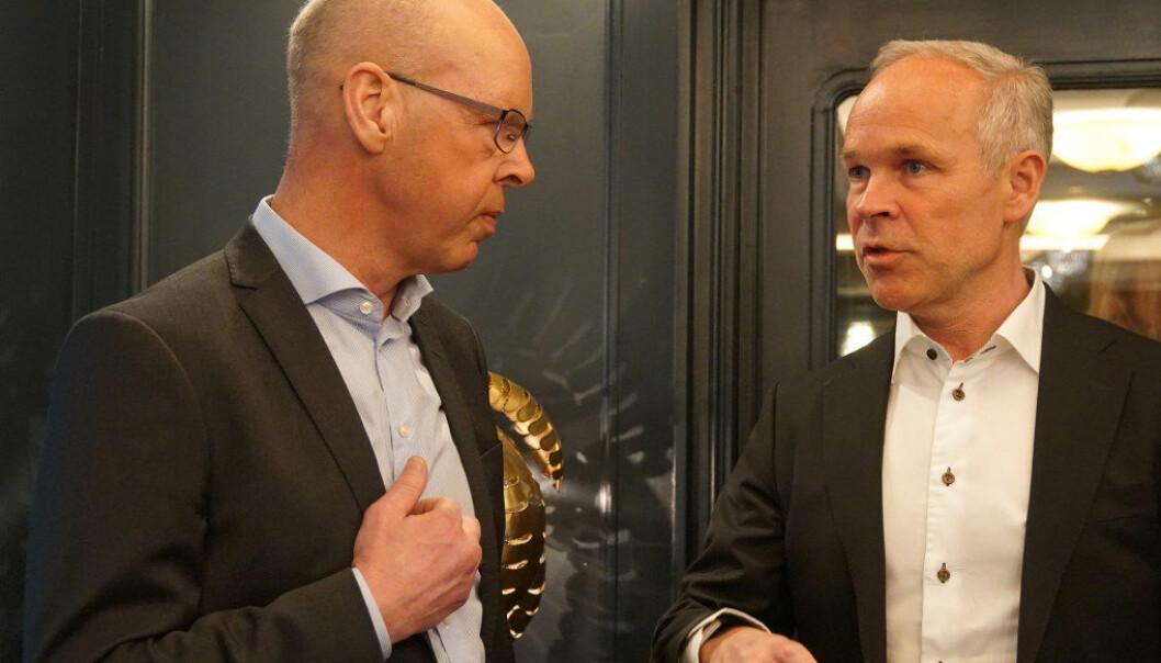 Forsker Thomas Nordahl er positiv til forslaget om heldagsskole for de minste. Her snakker han med kunnskapsminister Jan Tore Sanner i 2018. Arkivfoto: Utdanning.