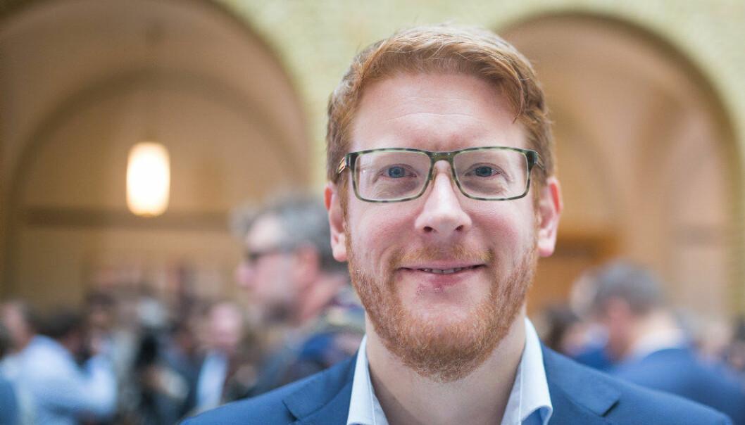 Utdanningspolitisk talsperson for Arbeiderpartiet Martin Henriksen mener det er en fallitterklæring at 8–9000 elever står uten læreplass hvert år, de fleste er gutter sier han. Foto: Marianne Ruud