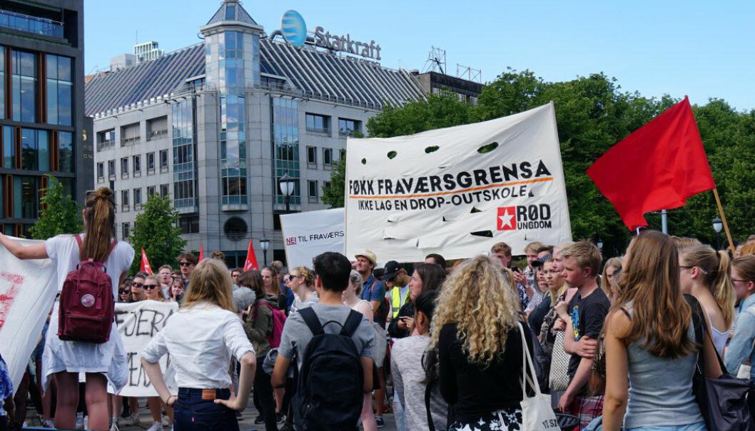 Sommeren 2016 demonstrerte ungdom utenfor Stortinget. Arkivfoto: Utdanning
