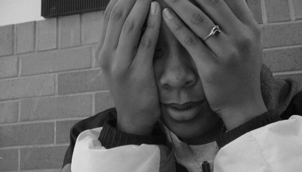 Mange elever i ungdomsskolen lar seg stresse av prøver. 3 av 10 engster seg så mye at de sover dårlig natten før prøver. Ill.foto: Ariel Camilo, Free images