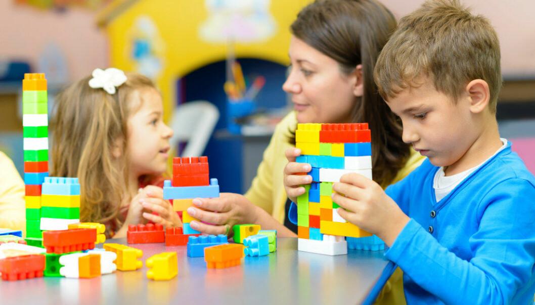 Barn som får mulighet til å slenge seg på en aktivitet og gå ut og inn i aktiviteten opplever å bli forstått, i motsetning til barn som blir møtt med et «nei, nå hadde du bestemt deg for ikke å være med mer», skriver artikkelforfatteren. Foto: Fotolia.com