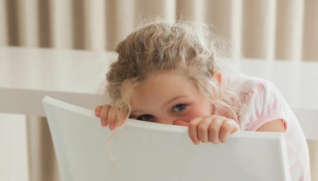 Sensitive barn har ofte et indre kaos av følelser. Derfor er det viktig at vi gir dem følelsen av at de er gode nok som de er. Foto: Fotolia.com