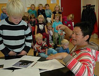 Mange barn og høy voksentetthet i norske barnehager