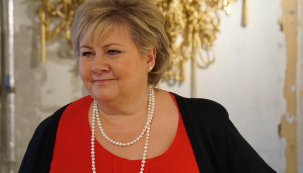 – Jeg synes det er veldig hyggelig at flere og flere studenter vil stemme på Høyre. Ledigheten går ned, veksten går opp og det skapes flere jobber. Det er bra for studenter som snart skal ut i jobb, sier statsminister Erna Solberg. Arkivfoto: Utdanning