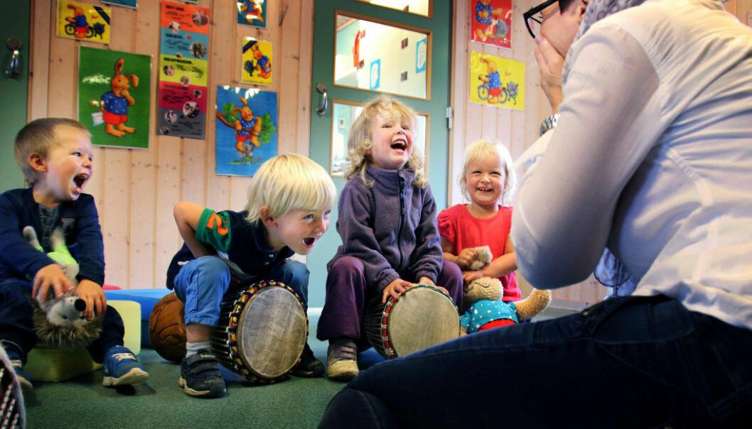 Den nye pedagognormen gjør at mange kommuner må ansette flere barnehagelærere til høsten. Ill. foto Jørgen Jelstad