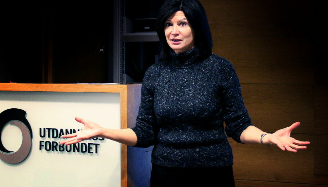 – Foreldre og lærerer er fullstendig imot bevæpning av lærere, sier president i NEA, Lily Eskelsen Garcìa. Foto: Jørgen Jelstad.