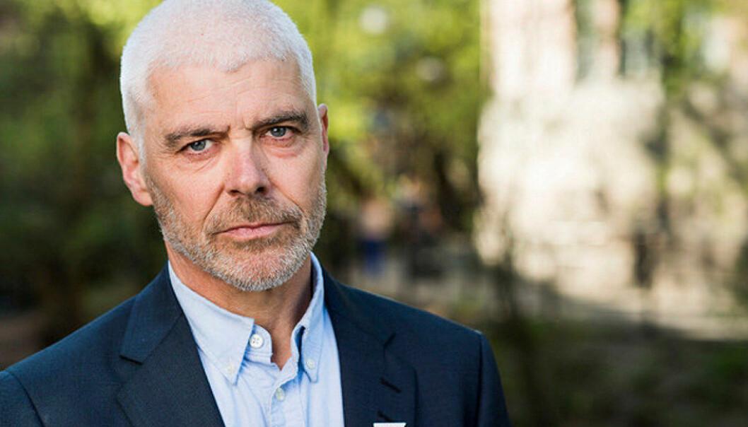 Petter Eide i SV mener de nye reglene for statsborgerskap gir lærerne en rolle de ikke skal ha. Foto: SV/Marius Nyheim Kristoffersen.