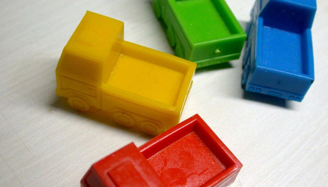 Farlige plastleker skal ut av barnehagene. Knapt 2000 PBL-barnehager er først ut. Ill.foto: Odan Jaeger, Free images