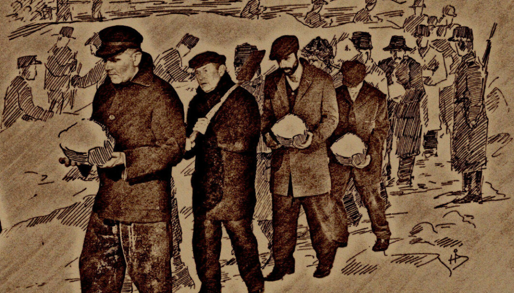 På Jørstadmoen i Oppland ble lærerne utsatt for trakassering og sterke fysiske anstrengelser, blant annet knebøy med vedkubber og åling i våt snø. De ble også truet. Illustrasjon fra filmen