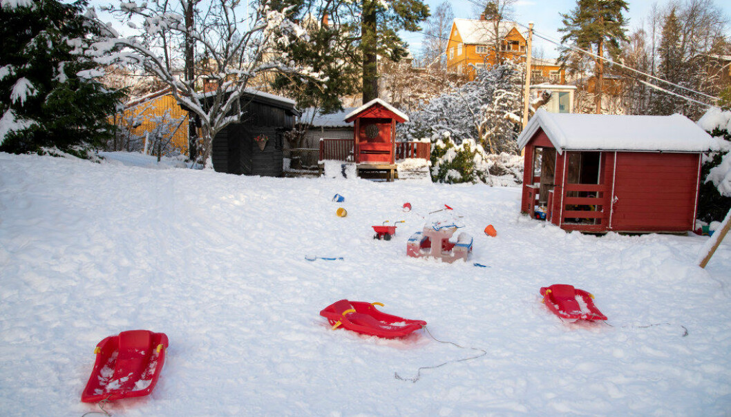 FOR DE MINSTE: I Miniputten familiebarnehage på Stabekk har barnehagelærer Elisabeth Torp åtte barn – og en bemanning godt over det som er kravet til familiebarnehager. Foto: Erik M. Sundt