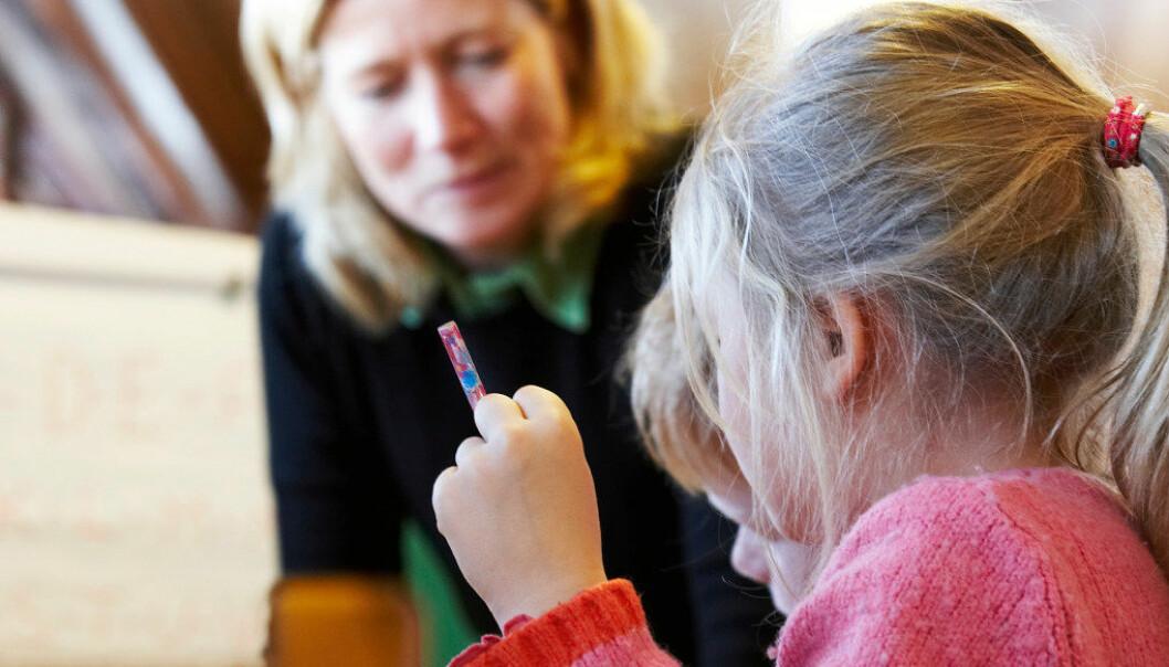 Forskerne meiner bedre undervisning er en forklaring på hvorfor færre barn er dårlige lesere. Illustrasjonsfoto: Erik M. Sundt
