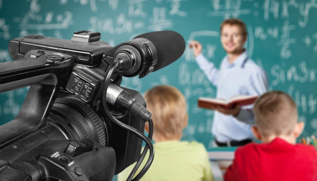 To lærere skal over en periode på to år skal få hjelp til å forbedre sin praksis, blant annet gjennom videoopptak fra undervisningstimer. Illustrasjonsfoto: Fotolia