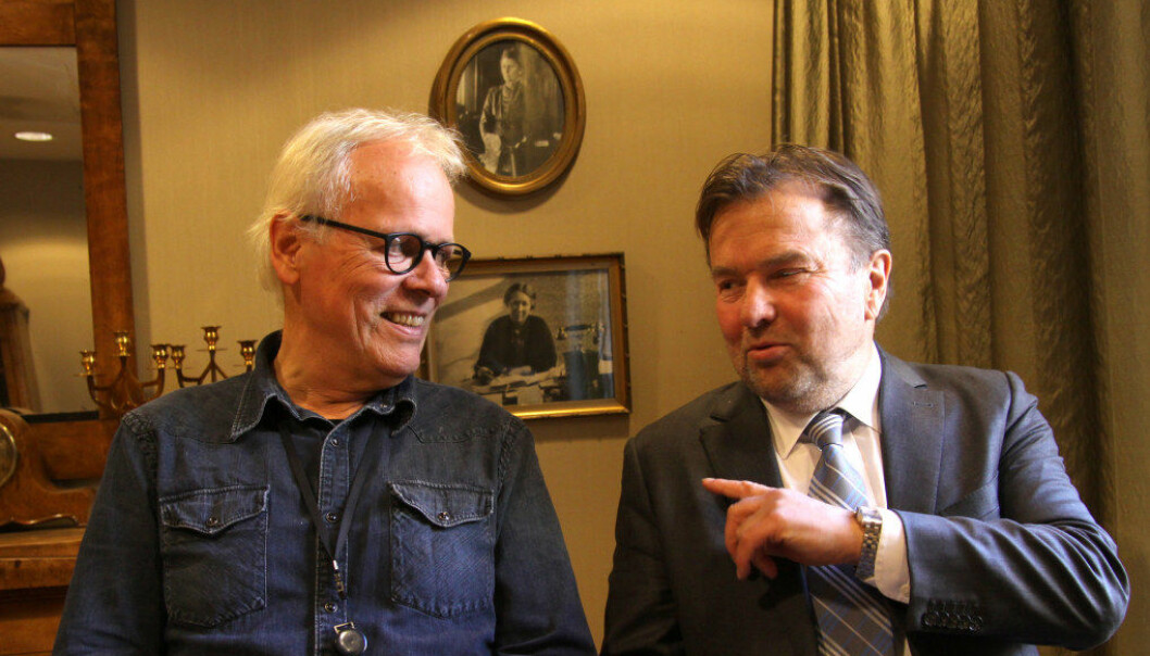 Jens Garbo og Vidar Raugland har skrevet bok om forholdet mellom arbeidsgivers styringsrett og lærernes bruk av profesjonelt skjønn. Foto: Bedre Skole