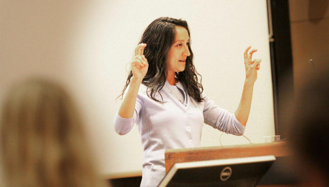 Tina Trujillo fra Berkeley-universitetet fortalte på et seminar ved Universitetet i Oslo 1. juni hvordan «value added»-modeller er blitt brukt på alt for lettvinte måter i amerikansk skole. Foto: Tore Brøyn