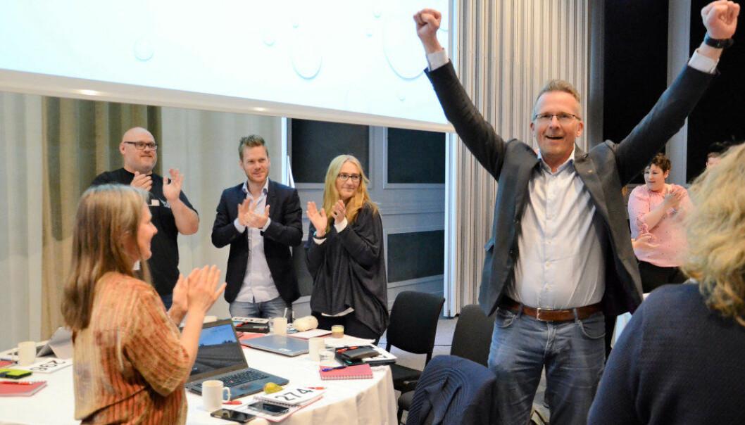 Leder for Utdanningsforbundet Trøndelag blir Geir Røsvoll. Han lot jubelen slippe løs da resultatet var klart. Foto: Kari Oliv Vedvik
