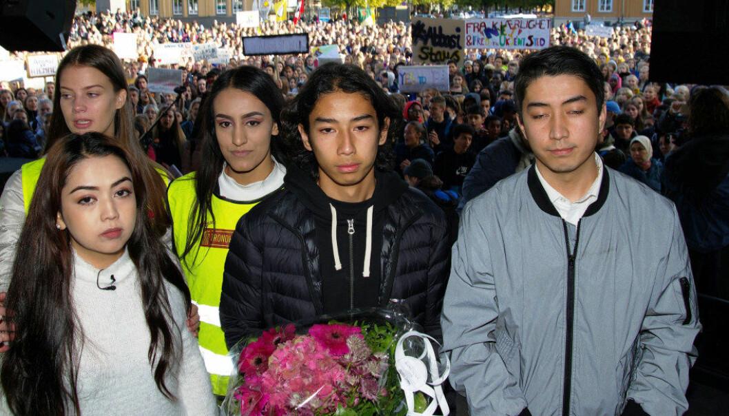 I oktober viste godt over 1000 Trondheims-elever solidaritet med Abbasi-familien. F.v: Silje Sliper, Taibah Abbasi, Mona Elfareh, Ehsan Abbasi og Yasin Abbasi. Foto: Bjørn Lønnum Andreassen
