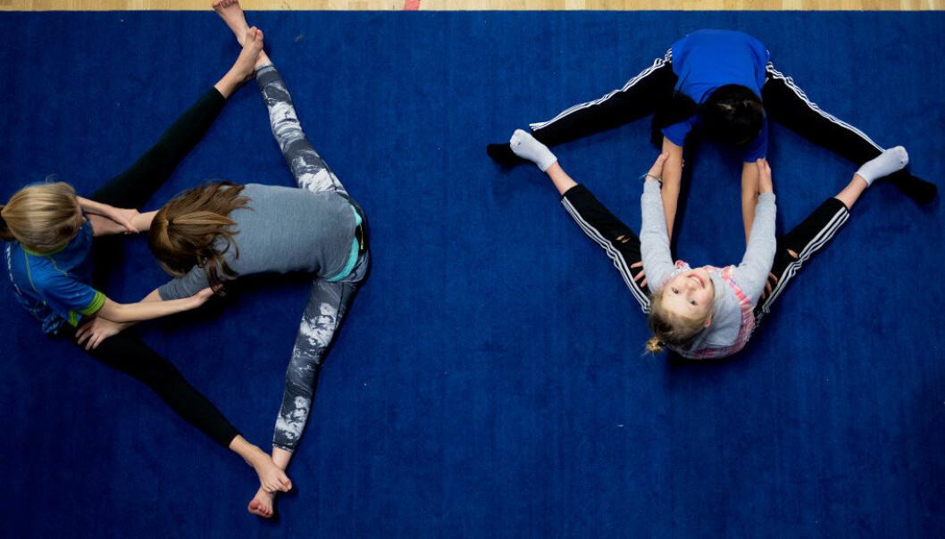 Forsker har undersøkt hvilken effekt to ekstra timer med fysisk aktivitet og kroppsøving har på ungdomsskoleelevers helse, læring og læringsmiljø. Foto: Ole Martin Wold