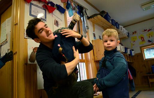 Vetle etter fem ukers praksis i barnehage: – Givende, men slitsomt