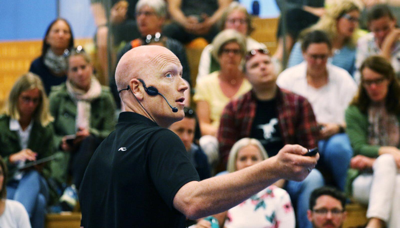 – Lærere føler på maktesløshet, sier kursholder Børge Stave. Foto: Jørgen Jelstad