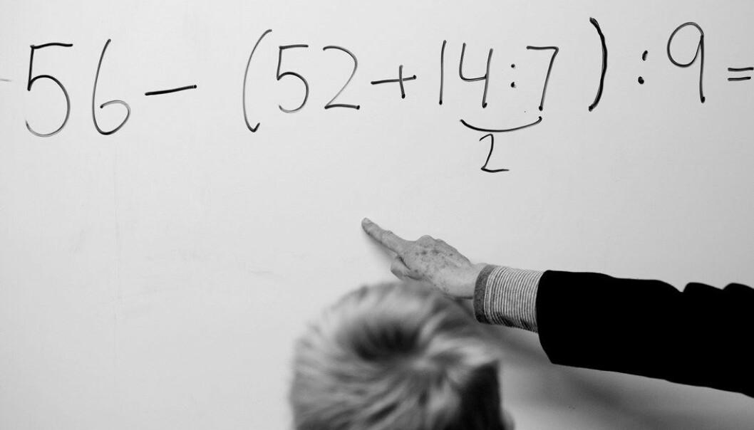 Et forsøk med flere lærere på ungdomstrinnet viser ingen målbar økning i karakterene. Men flere rektorer sier sykefraværet er lavere, og det er bedre trivsel. Foto: Utdanning