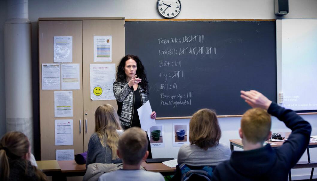 Sammenlignet med gjennomsnittet i OECD-landene ligger norske lærere lengre etter andre grupper med høyere utdanning med tanke på lønn. Ill. foto: Tom-Egil Jensen