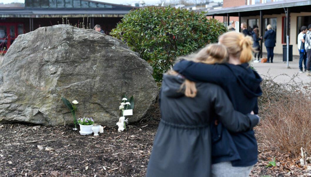 Tre elever ved Ängskolan i Mark kommune sørøst for Göteborg omkom i bussulykken i Härjedalen søndag. Fem regnes fortsatt som kritisk skadd. Foto Björn Larsson Rosvall/TT/NTB Scanpix