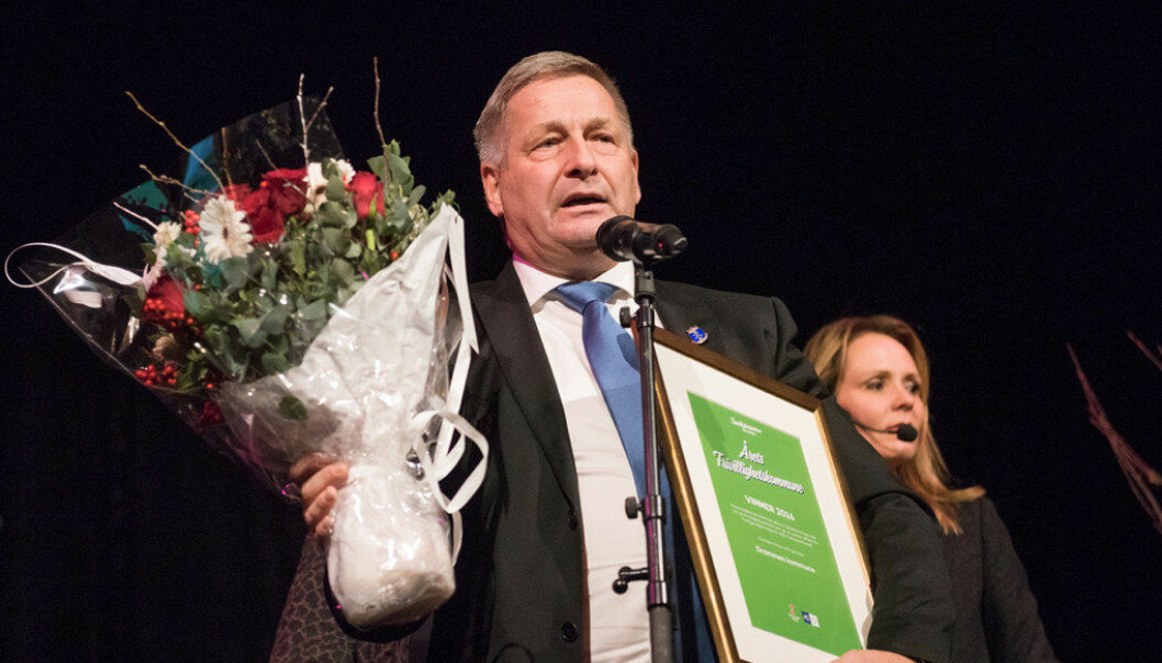 Ordfører i Drammen, Tore Opdahl Hansen, tok imot prisen. Foto: Birgitte Heneide.