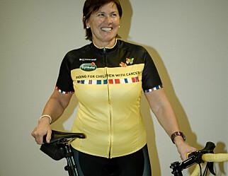 Lærer sykler til Paris for å støtte kreftsyke barn