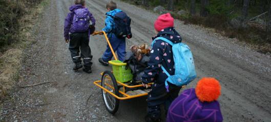 Regjeringa vil ha norm for antall barn per vaksen i barnehagen