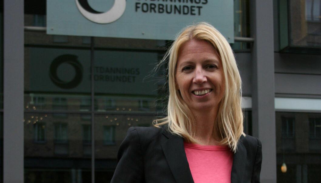 Mina Gerhardsen i Actis har tro på at samarbeidet med Utdanningsforbundet skal bidra til å øke kunnskapsnivået om cannabis i skolen. Foto: Kjersti Mosbakk