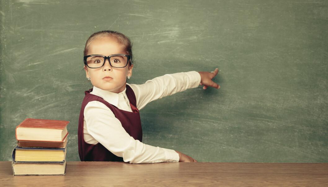 Jeg hører ofte «vi trenger ikke flere barnehagelærere, vi trenger flere hender». De fleste av barnehagelærere har også hender. Men det er de minst fire timene planleggingstid per barnehagelærer som er utfordringen, mener mange, sier leder Ingvild Aga i Kontaktforum barnehage i Utdanningsforbundet. Illustrasjonsfoto: Adobe stockSS