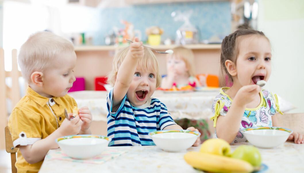 Vi har erfart at det er viktig å stille spørsmål rundt noe barna er interessert i for å få en god samtale, sier artikkelforfatterne. Illustrasjonsfoto: Fotolia.com