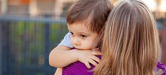 Innspill: – Stian holder godt rundt halsen til moren og ser ikke på meg. Jeg vet at dette øyeblikket er viktig for å bygge en god relasjon