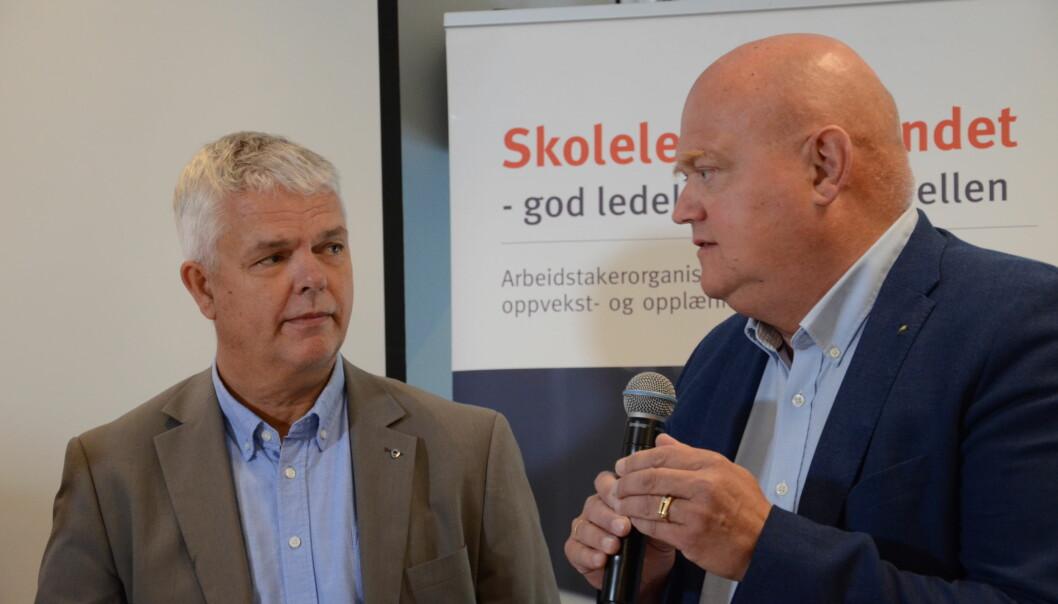 Erling Barlindhaug i KS (t.v) og Stig Johannessen, leder i Skolelederforbundet. Foto: Kari Oliv Vedvik