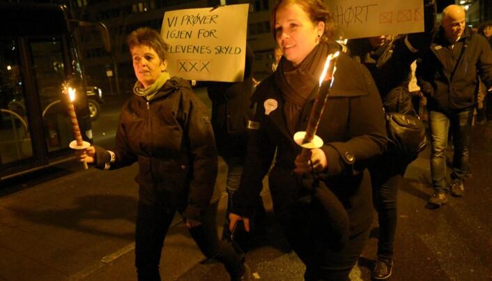 Fakkeltog i gatene til støtte for lærerne i Sandefjord. Foto: Sandefjords Blad.