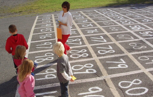 Et par timer med undervisning utendørs hver uke øker arbeidsgleden