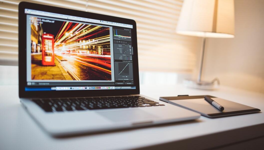 Med digitale læringsressurser satt inn i en digital storyline kan elevene få trening i å se etter problemstillinger som griper inn i flere fag og temaområder. Kanskje utvikles evnen til å tenke kritisk, skriver Ellen Cecilie Romstad. Ill.foto: Pixabay