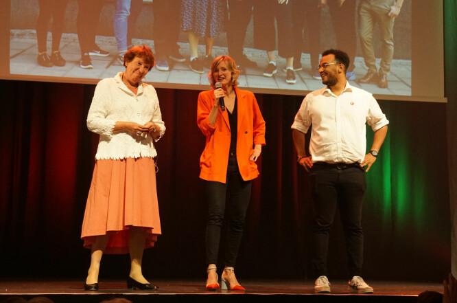 Ordfører Marianne Borgen, skolebyråd Inga Marte Thorkildsen og Omar Samy Gamal, som står på tredjeplass på SVs liste er klarer for fire nye år. Foto: Marianne Ruud