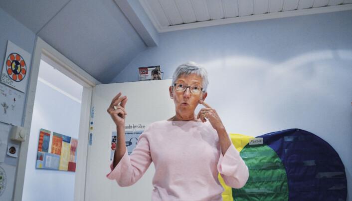 – Å holde balansen kan være utfordrende for enkelte som sliter med synsfunksjonelle vansker, sier Elin Natås. Foto: Kari Oliv Vedvik