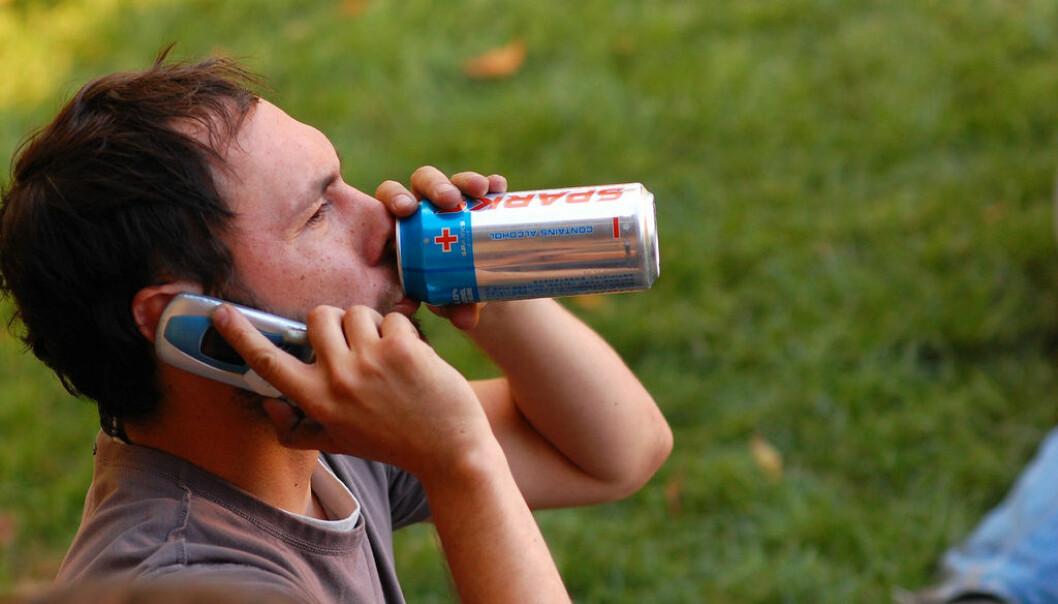 – Det går berre heilt unntaksvis bra når menn skal multitaske, det er noko alle veit, skriv Roar Ulvestad. Foto: Wikimedia Commons/Draizinbrew.